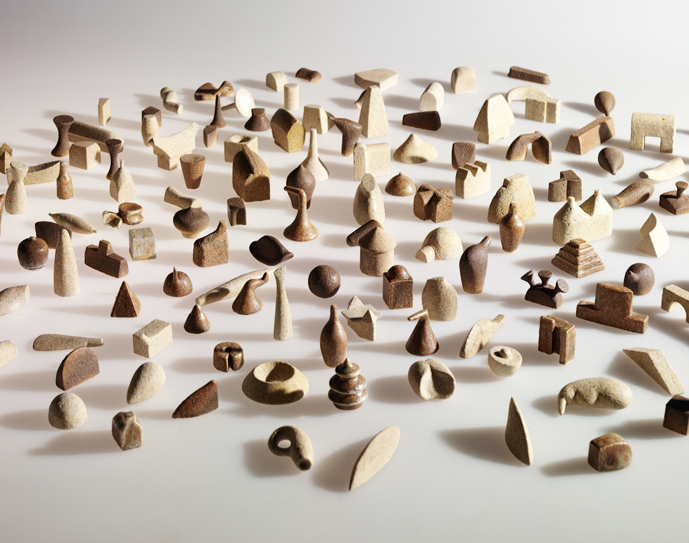 04_Tom Lauerman, Lexis, 2000, ceramic, dimensions variable, collection of the Museum of Art and Design, NY, NY.jpg