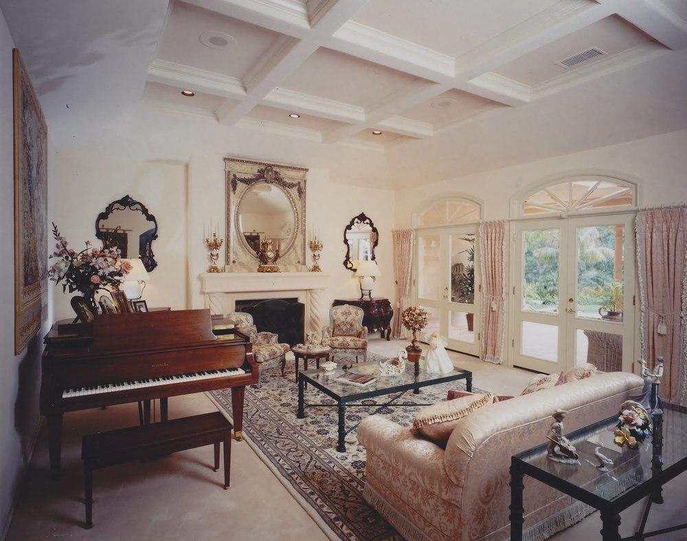 John.Diana.Couch.3.jpg