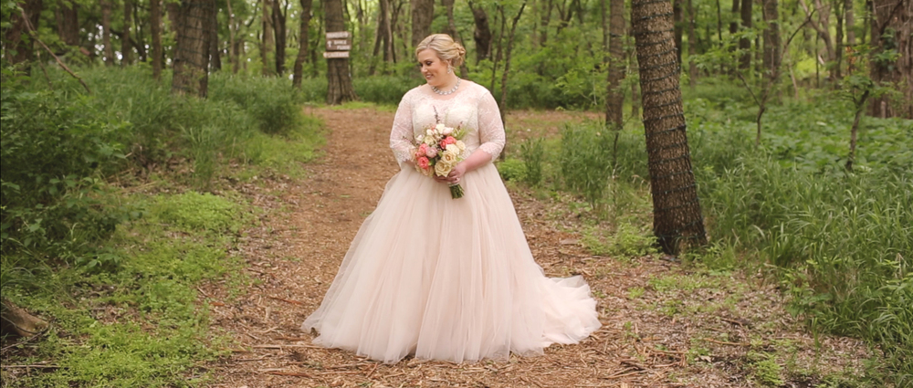 outdoor-wedding-bride