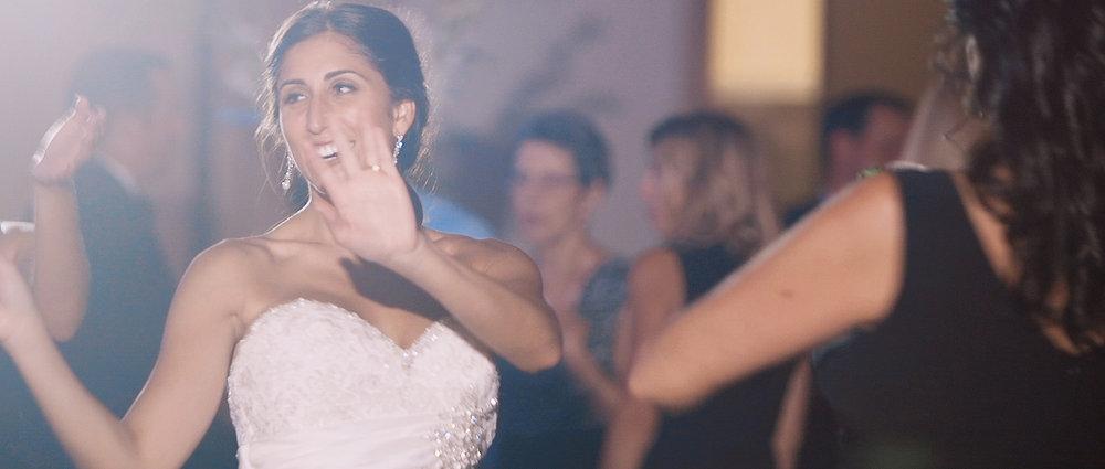 bride-wedding-dance