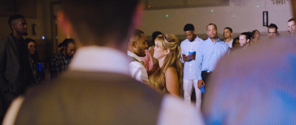 first-dance-wedding-couple-kansas