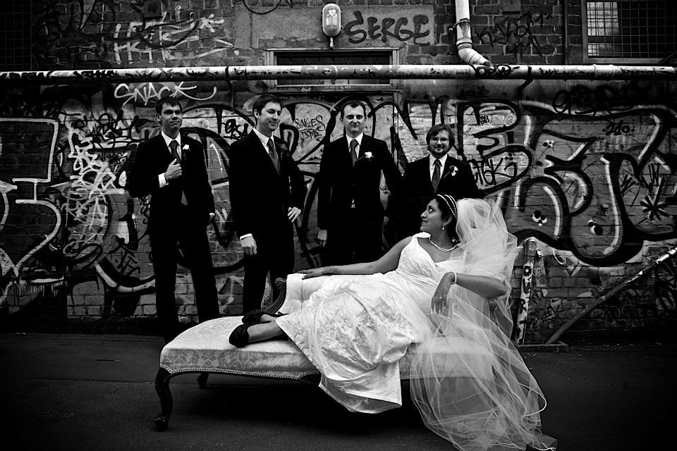 chaise longue Courtney Place weddings adrian de la fuente