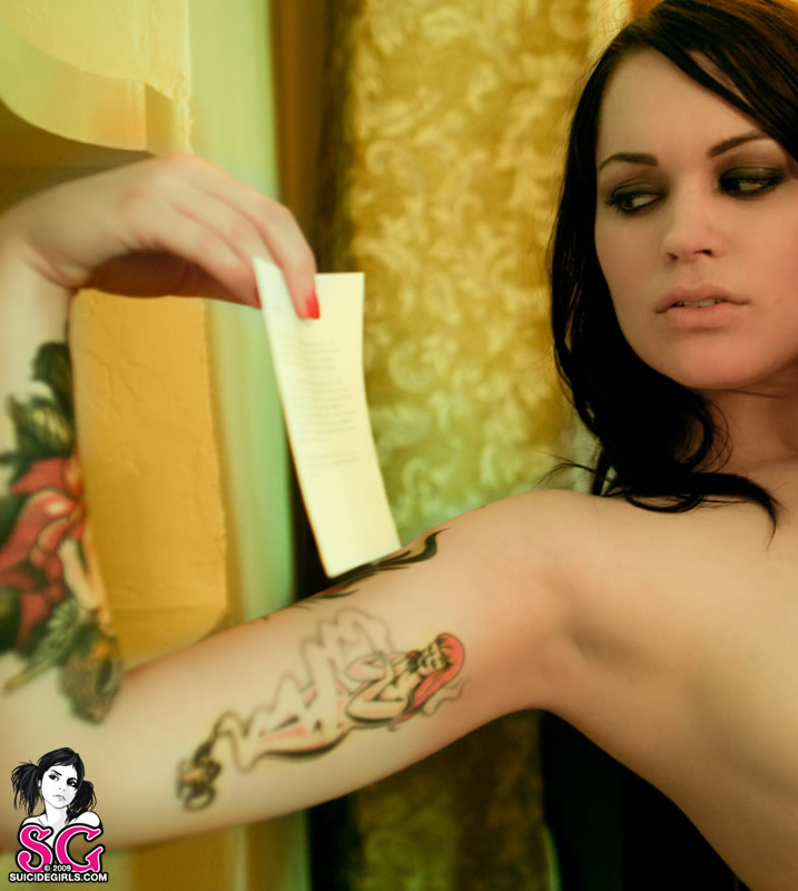 SuicideGirls/Personal Effects image 3