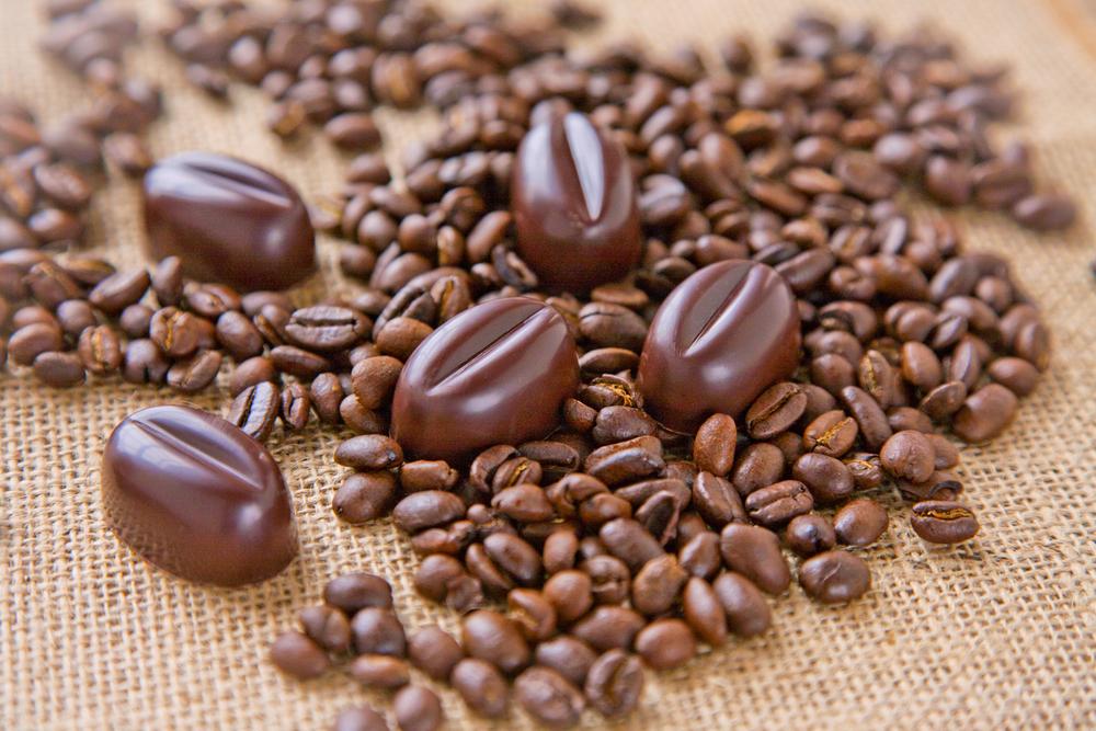 1Pearl_Chocolate_Window_10_12_12 0131.jpg