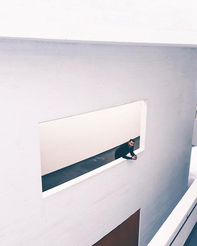 Hanging around ________________________________________________________________________________  #kiasma #rsa_minimal #lesphotographes #freezfram #arcblu#tv_architectural #tv_pointofview #tv_buildings#tv_leadinglines #lookingup_architecture#lookingupatbuildings #architectural_award#architexture #archilover #archdaily #learnminimalism#visualgang #artofvisuals #minimal_lookup#minimal_perfection #minimalmood #minimalove#minimalzine #aestheticinspiration #vsco #vscovisuals#doyouskrwt #shotoniphone #mextures #exploremore