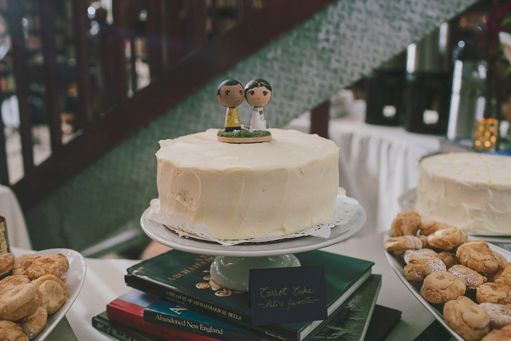 Star Trek and Lord of the Rings wedding cake topper.