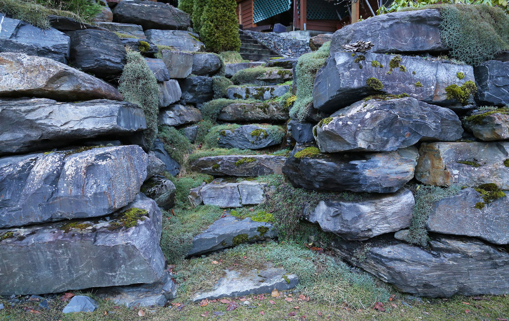 Stone steps set into a stackwall.