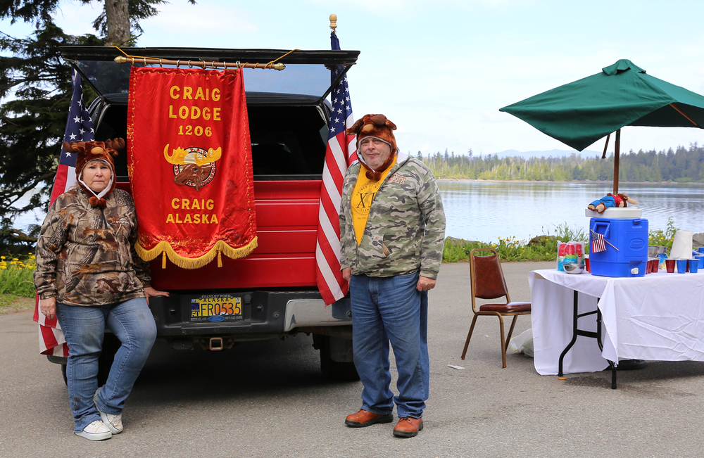 Lilly and Larry Williams handled the busy Craig Moose Lodge aid station...with moose hats!