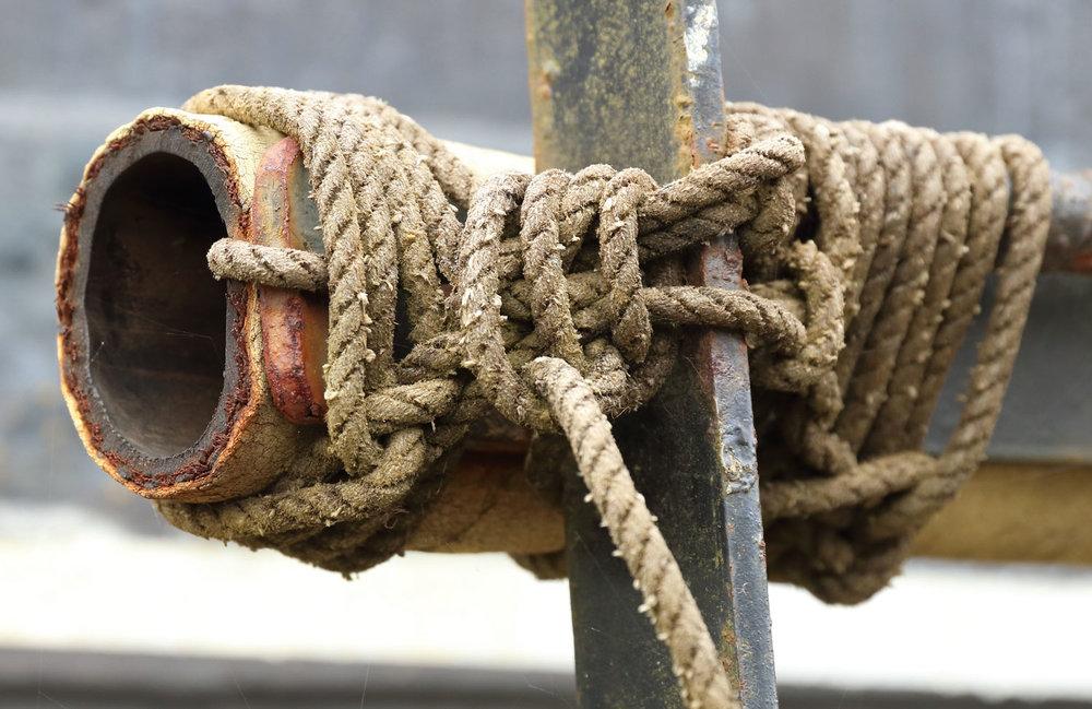 Boom boat fender knots