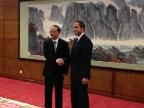 Mr. Neuenschwander with Mr. Huang Qiang, Deputy Administrator of the China National Space Administration (CNSA)