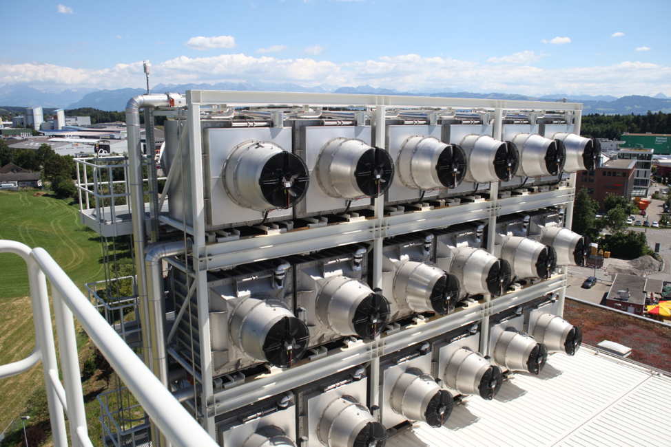Image: Climeworks collectors in Switzerland, atop Hinwil waste recovery plant in Zurich.