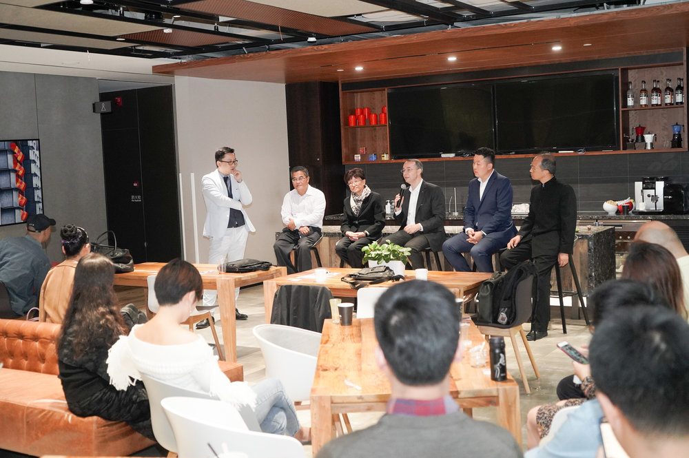 Panel Discussion: panelists (seated from left to right) Mr. Zhihong LI, Vocational Education Expert Schindler Group, Mrs. Qidi WU, Honorary President of SORSA, Dr. Felix Moesner, CEO of swissnex China, Mr. Guanlu FENG, Director China of LHC Group, Mr. Weiquan PANG, Vice President of Yangzhou Sino-Swiss Hospitality Vocational Institute.
