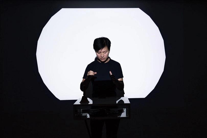 Performance by Ban Lei (stage name 'BANBANBANBAN').