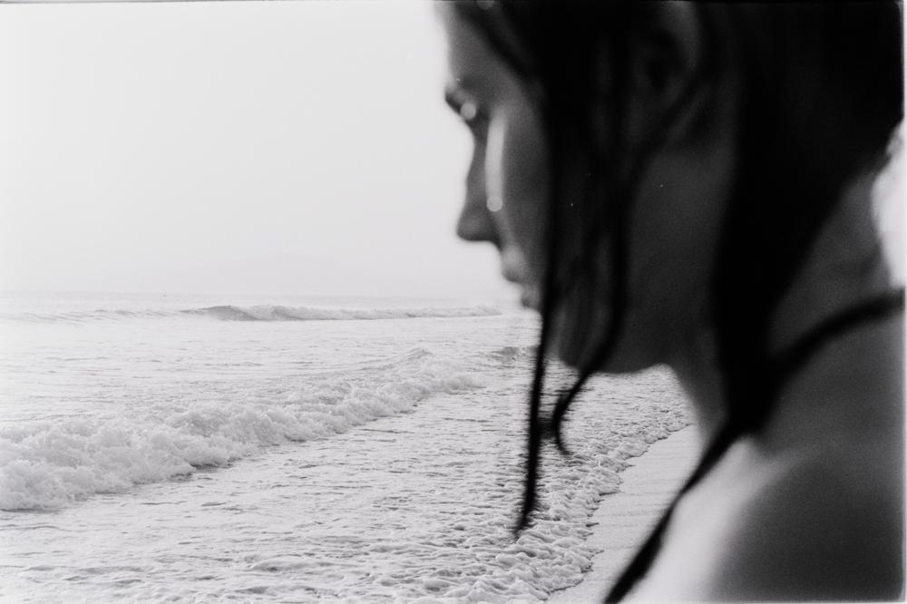 Marta en la playa de Tarifa.