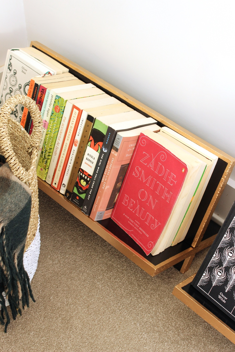 DIY reading rack
