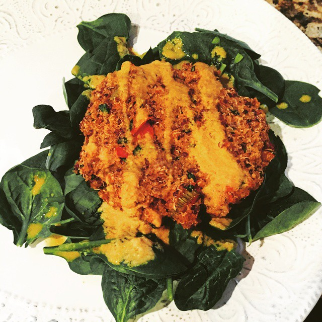 Calling all lazy ladies & gents that only wanna cook once for like three meals, we've got ya, boo!! #MeatlessMonday #quinoa #veggie cakes #recipe -  http://bit.ly/1xtDCmC.