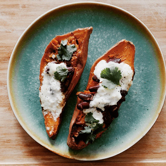 For the lazy days (like Mondays), this #recipe is sure to suffice! Satisfying and super simple - stuffed sweet potato how-to on the blog today! #MeatlessMonday #vegetarian