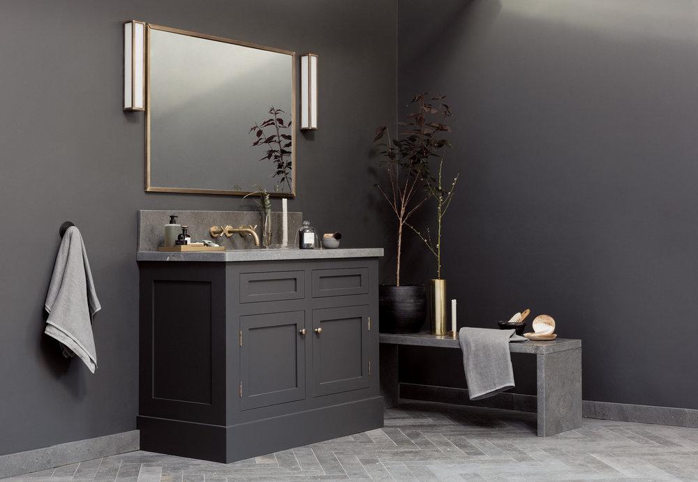 Porter Bathroom Charleston Mid