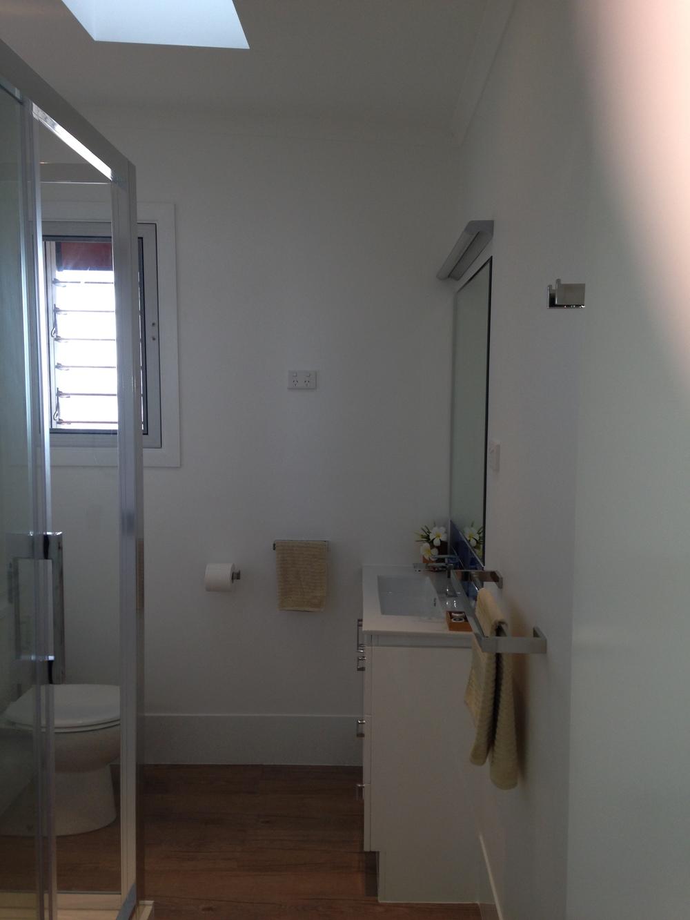Studio with Ocean View: Bathroom