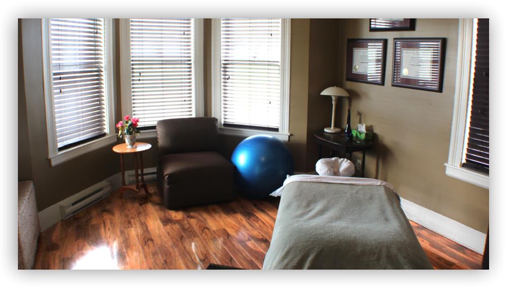 Massage room 1.jpg