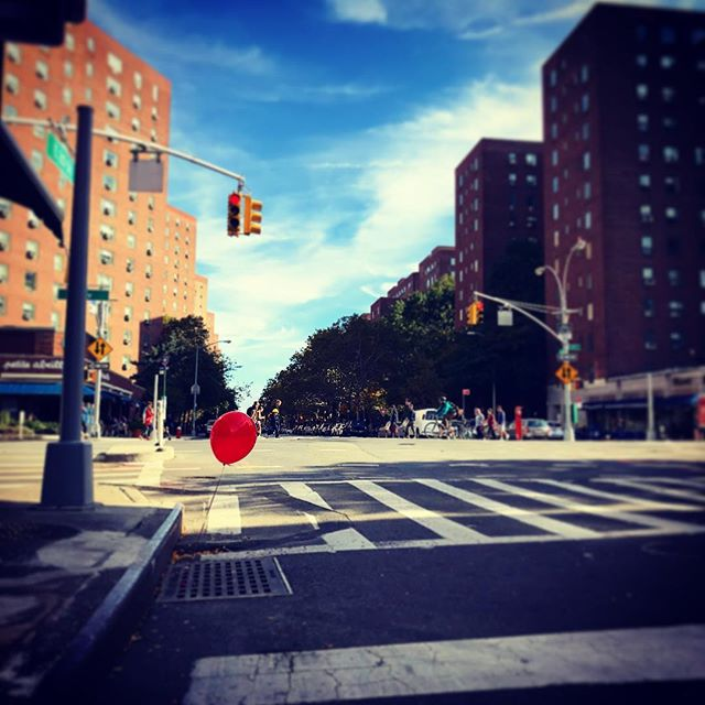 Stay safe #nicenewyorkers and #happyhalloween . . . . .  #nyc #manhattan #nyclife #nychalloween #it #youllfloattoo #float #pennywise