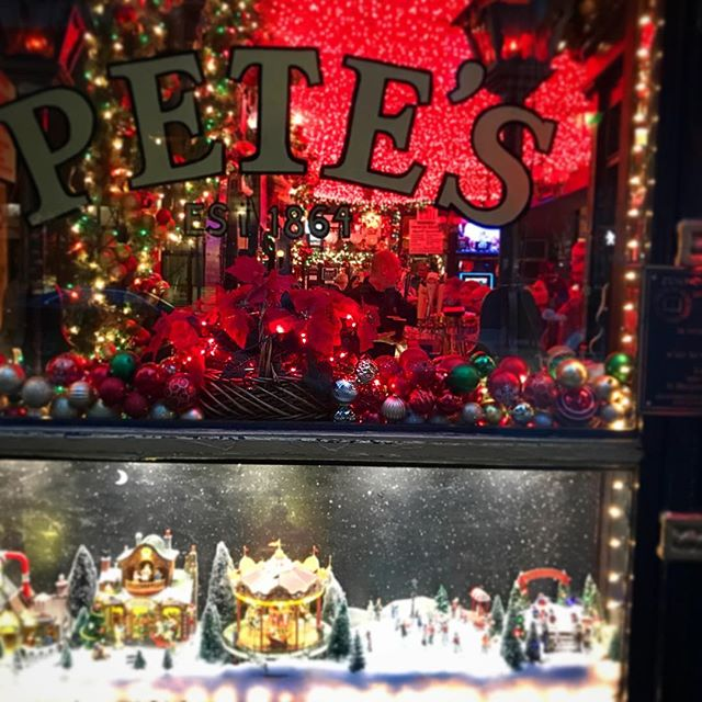 The wind is harsh and cutting, but the lights are warm and inviting. We raise our warmth in the heart of good cheer, as we all drink another beer. • • • • • #nicenewyorkers #niceny #ilovenyc #manhattan #nyc #beer #petestavern #irvingplaza #holidays #winterwonderland #nycholidays #christmasinnewyork #holidaycheer