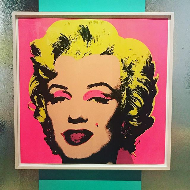 An afternoon with Andy ✨ An impressive collection of 250 Warhol works @psartmuseum not to be missed. . . . #palmspringsartmuseum #andywarhol #warholexhibit #marilynmonroe #marilynmonroeart #palmsprings #pwlmspringslife #palmspringsweekend #sundayfunday #sundayvibes #artmuseum #popart #flashesofdelight #thatsdarling #darlingweekend #abmlifeiscolorful #abmhappylife #makeyousmilestyle #acolorstory #myunicornlife #nothingisordinary #thehappynow #livecolorfully #colorventures #warhol #artmuseum #livethelittlethings #screenprinting #californialustre