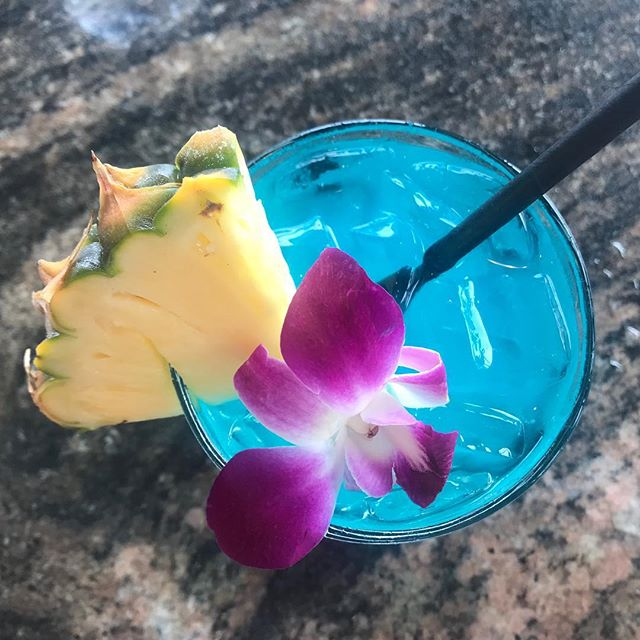 Post-beach Blue Hawaii at the Seahouse Restaurant in Napili 🌺  While we initially planned on sharing tons of photos of our Maui vacay we have really enjoyed being disconnected and living in the moment, rather than being constantly glued to our phones or laptops. . . . #aloha #maui #heretodaygonetomaui #hawaiianvacation #alohabeaches #bluehawaii #daydrinking #vacayvibes #vacayallday #californialustre #beachlife #getaway #hawaiitrip #flashesofdelight #abmlifeiscolorful #abmhappylife #abmtravelbug #lettheadventurebegin #makeyousmilestyle #livecolorfully #livethelittlethings #paradise #vacationmode #mauilife #beachtime #beachvibes #thatsdarling #happyhour #cocktailtime