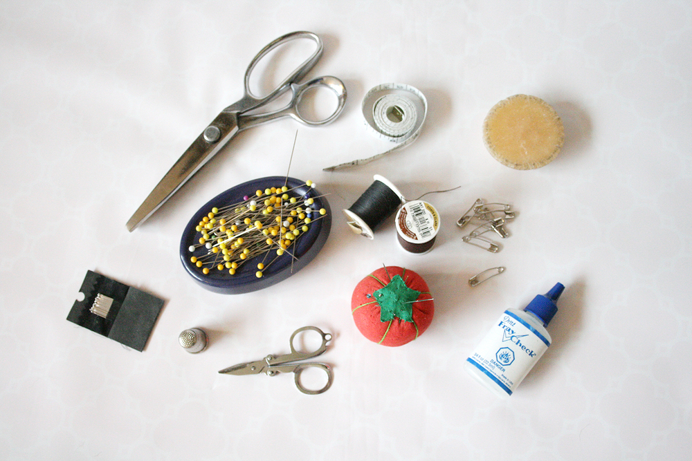 Items from my sewing toolbox.