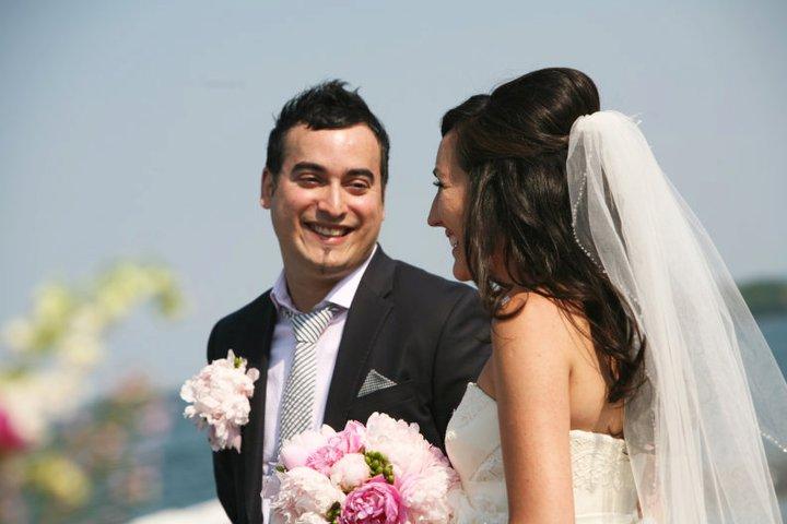 BARANGAS ON THE BEACH, HAMILTON, WEDDING, FLOWERS2