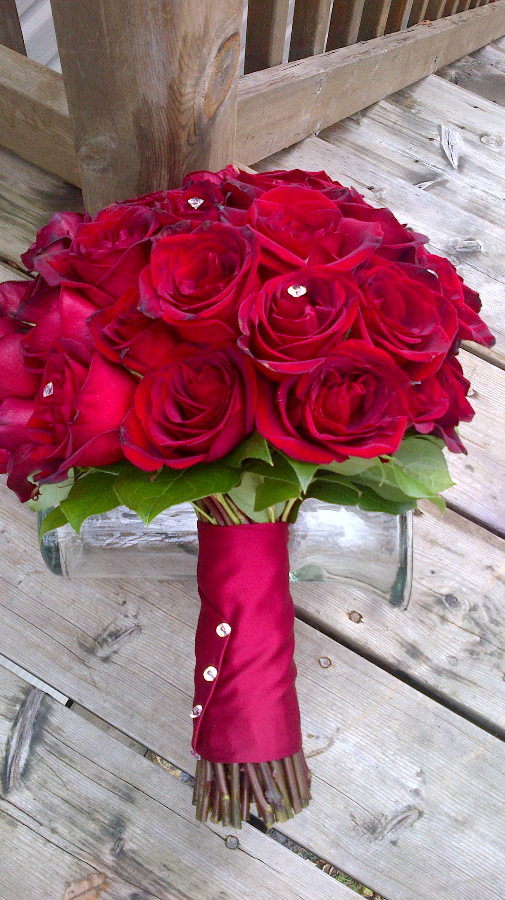 60 red roses in Cassandra's Bouquet!!