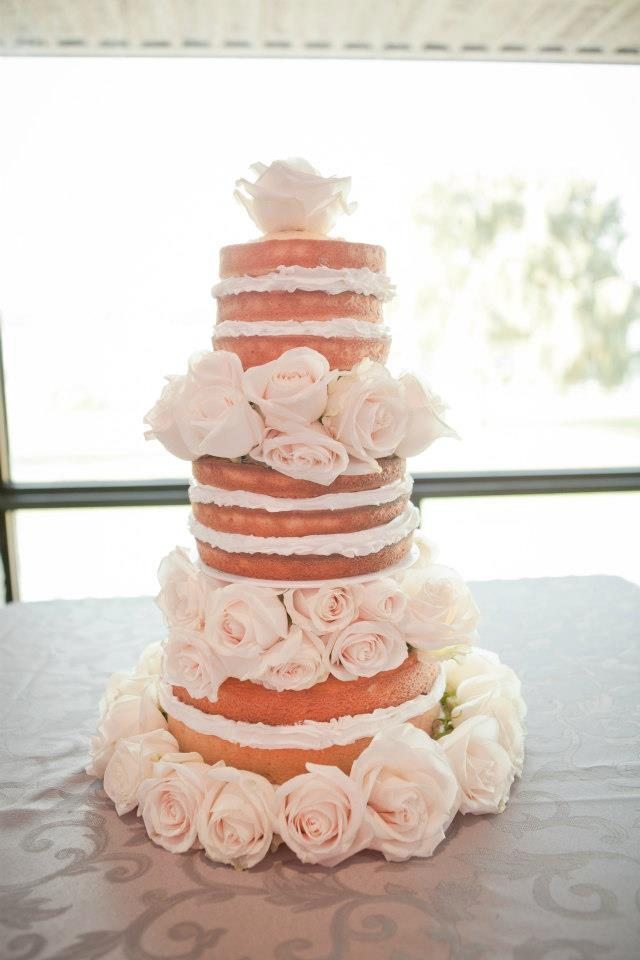 The Naked Cake :)  Looked so yummy