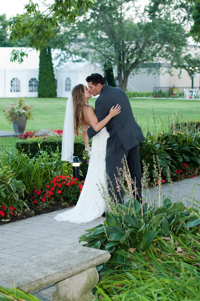 LIUNA GARDENS WEDDING, FLOWERS, HAMILTON