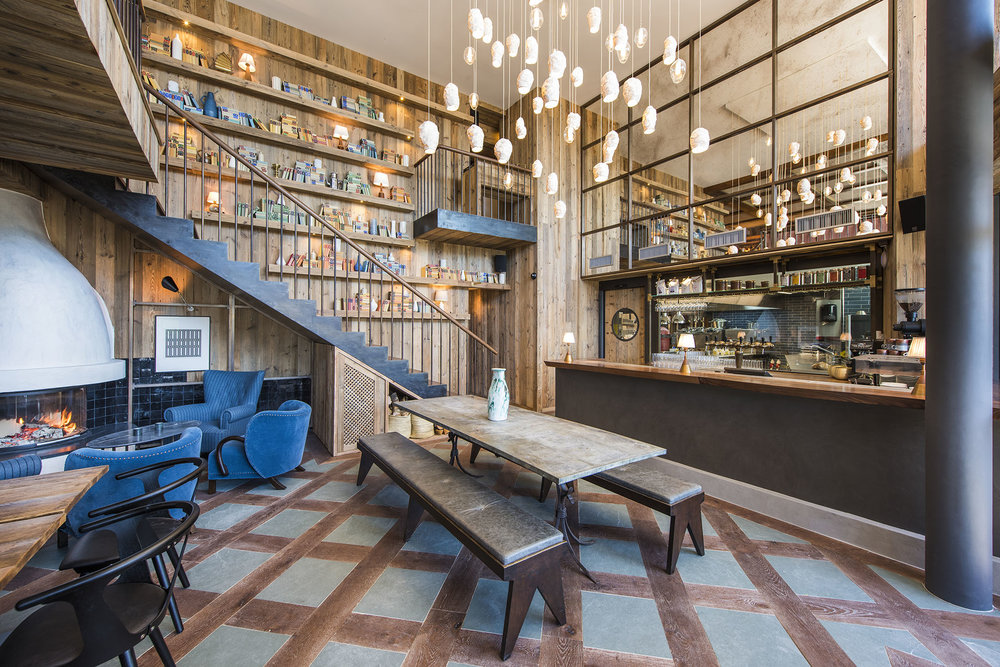 Vie Montagne - Bier Haus 5 Cafe Verbier.jpg