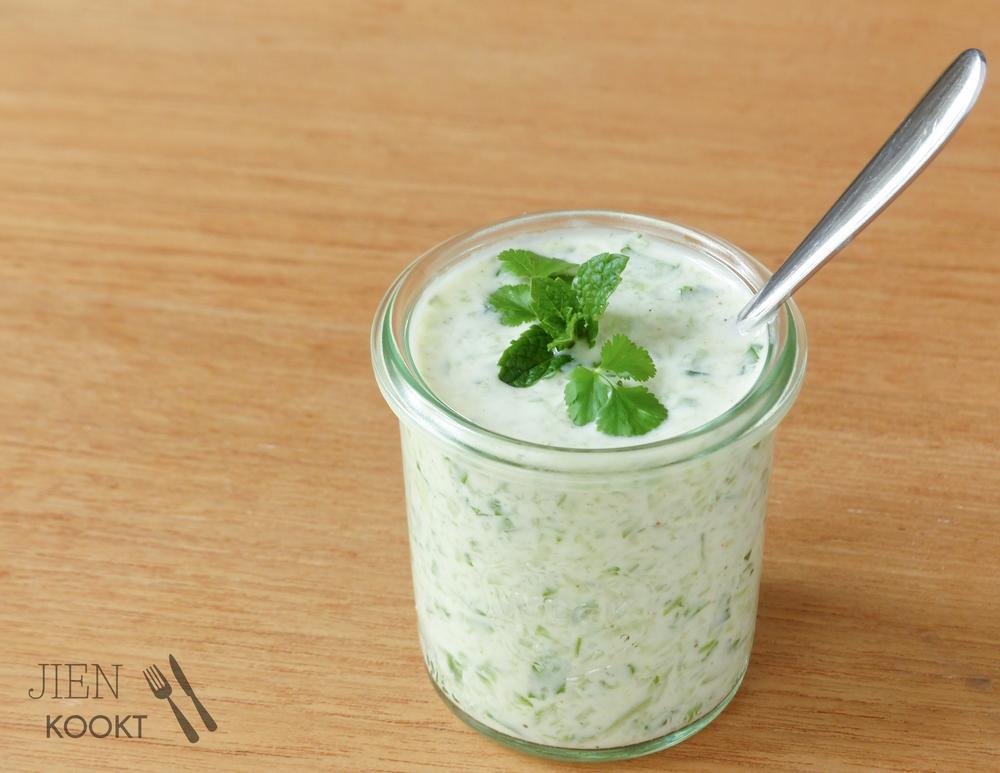Komkommer-munt raita
