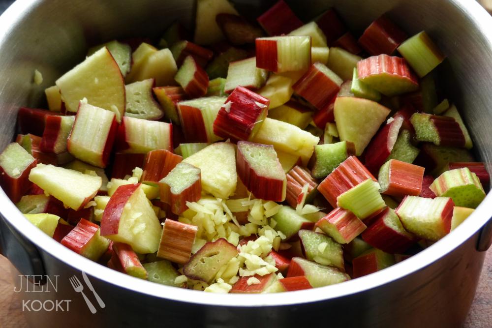 Rabarberjam met gember, appel en (veel) minder suiker! | Jienkookt.nl