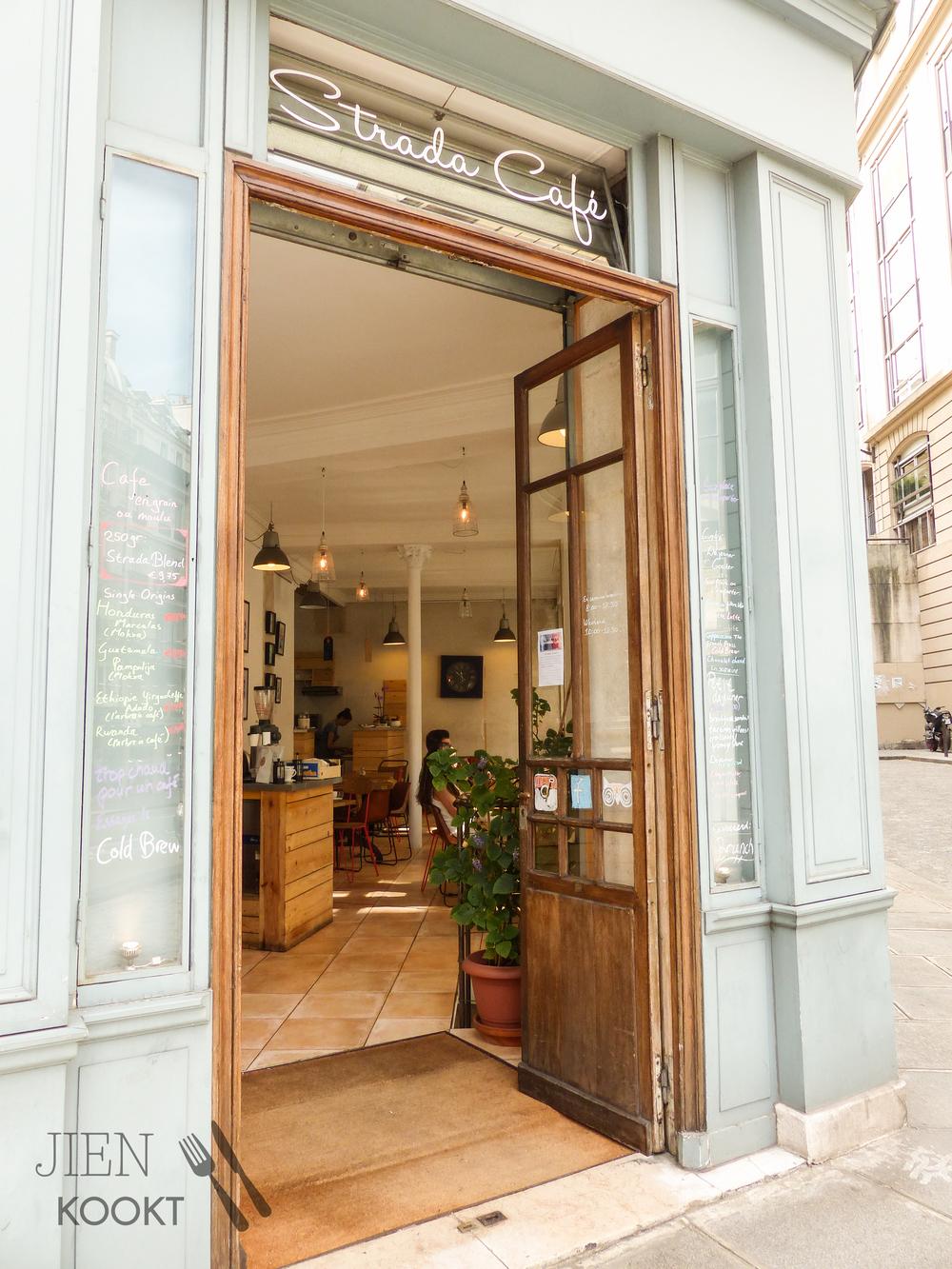 Strada Café, een plek om heerlijk te ontbijten, lunchen en vooral hele lekkere koffie te drinken.