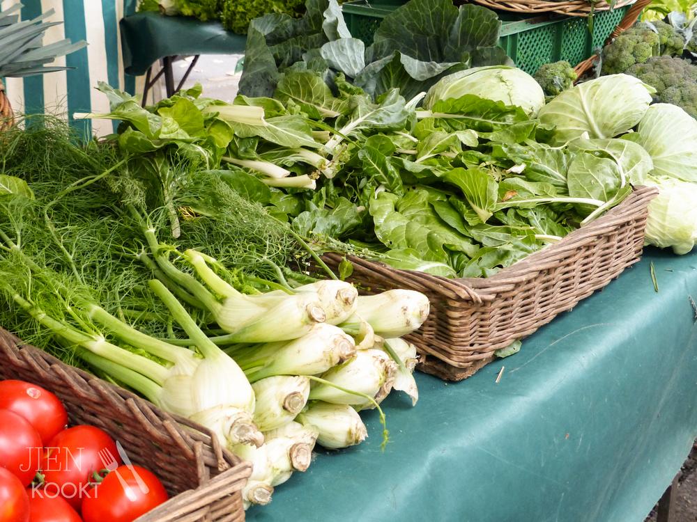 Een groentekraam op de Marché Bastille.