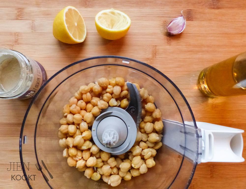 Gezond borrelen met zelfgemaakte hummus: klassiek & smoky rode paprika | Jienkookt.nl