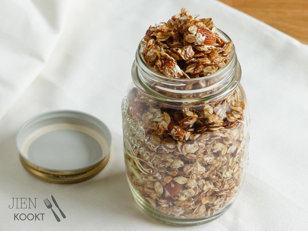 Simpele zelfgemaakte granola | Jienkookt.nl