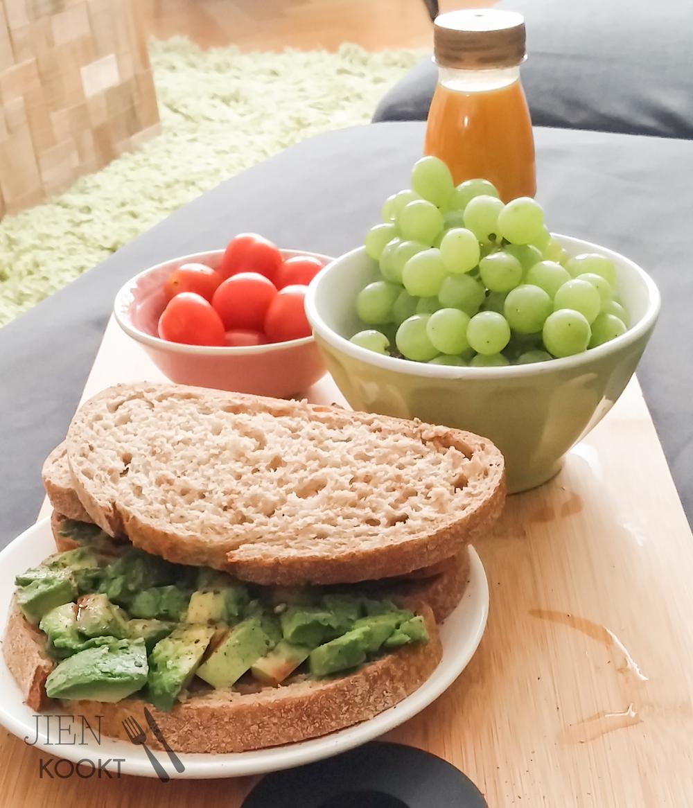 Rond lunchtijd (& als hongerige zwangere)boodschappen doen is geen goed idee... meestal. Deze keer overwon mijn gezonde drang!