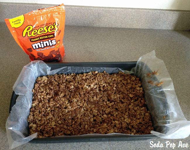 Reeses Rice Krispie Treats (8).JPG