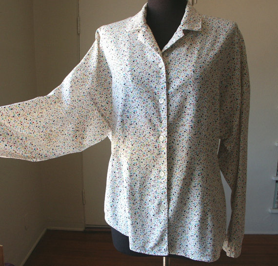 Dolman sleeve splatter dot fantasia (via Etsy).
