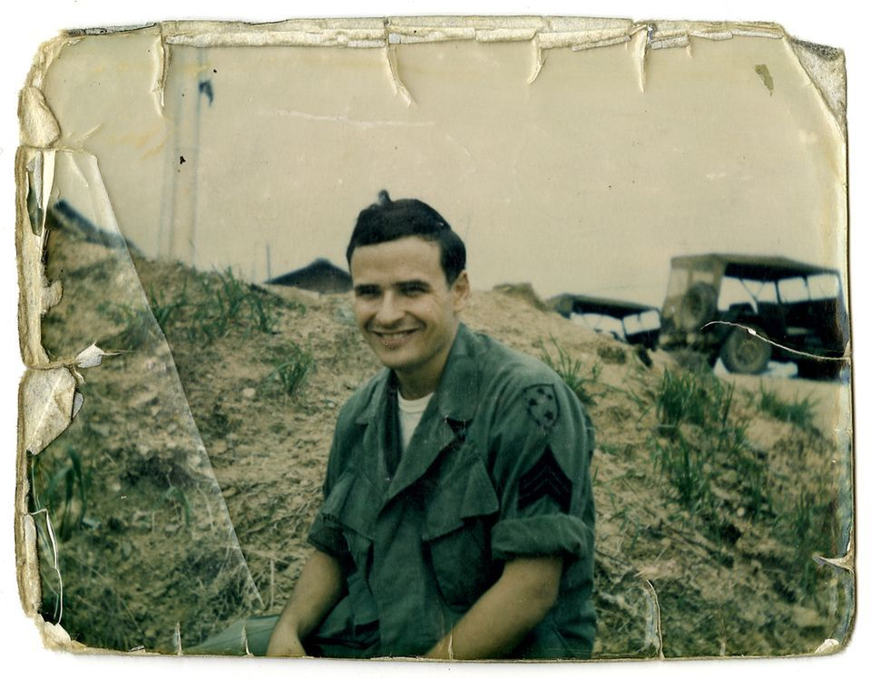 the vietnam war and the novel the things they carried by tim obrien The world of the play: overview of the vietnam war   tim o'brien was born on  october 1, 1946 in austin, minnesota and spent his childhood in  after a two- year interim, o'brien's short story, the things they carried, the.