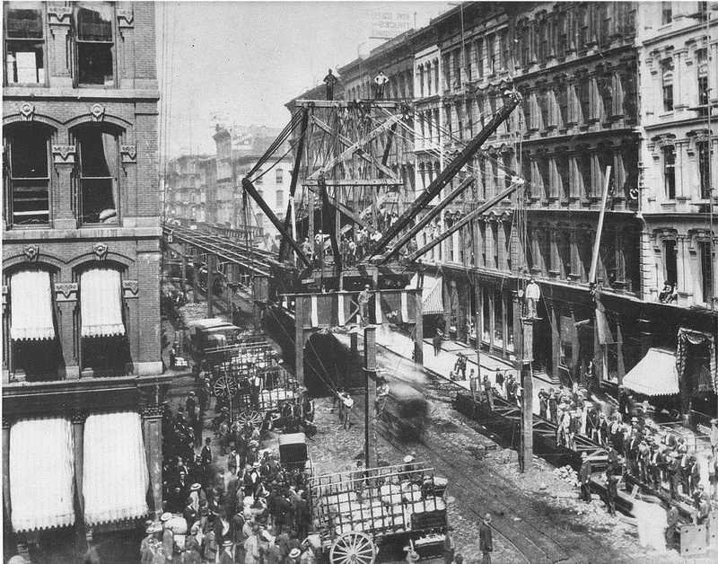 Construction of Chicago's transit system in 1895 (Credit: Image from Flickr user cta web; used with Creative Commons license)