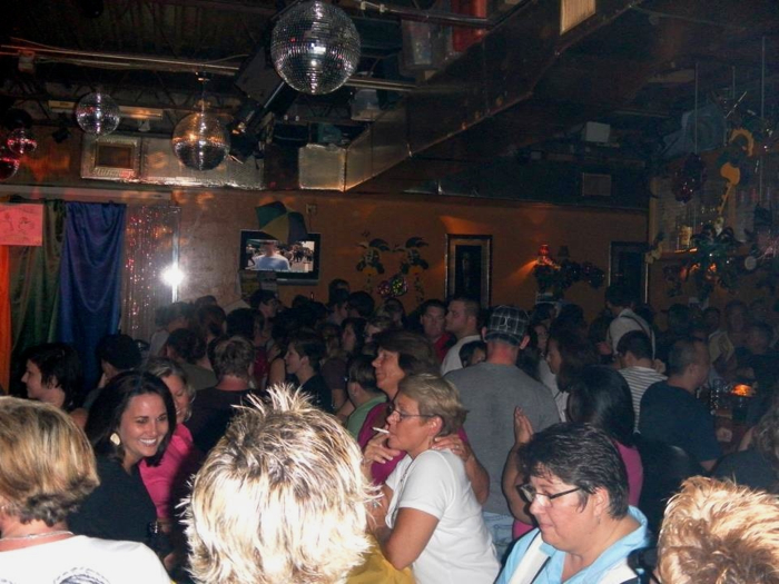 Crowd at Tubby's in 2011