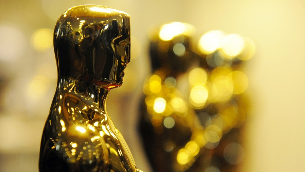 Oscar Trophy.jpg
