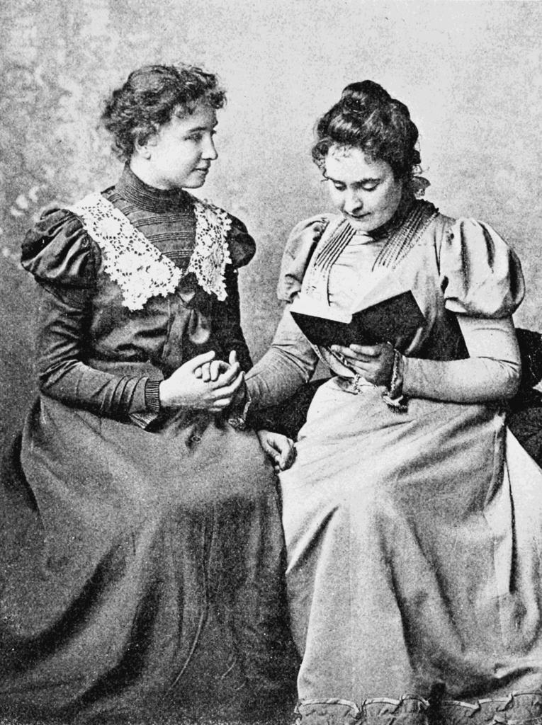 Helen Keller Anne Sullivan.png