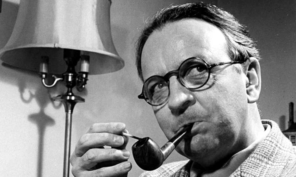 Raymond Chandler (via The Guardian)
