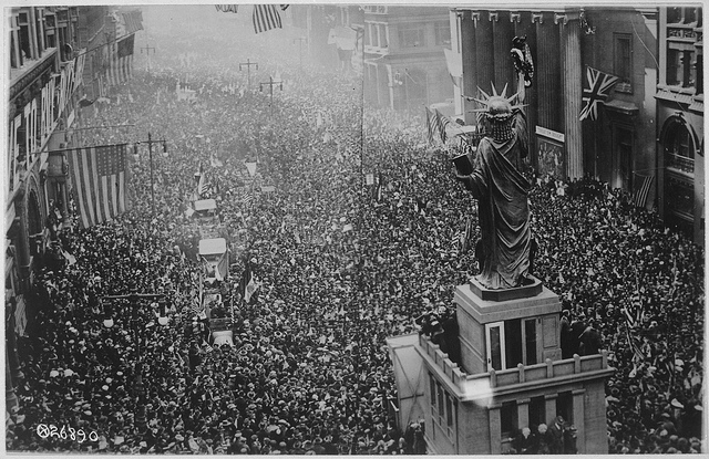 Announcement of the armistice on November 11, 1918 in Philadelphia (via The U.S. National Archive)